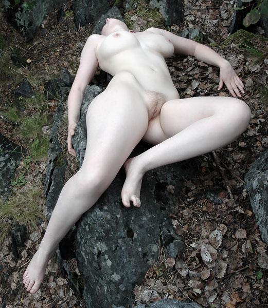 recension ledsagare naken