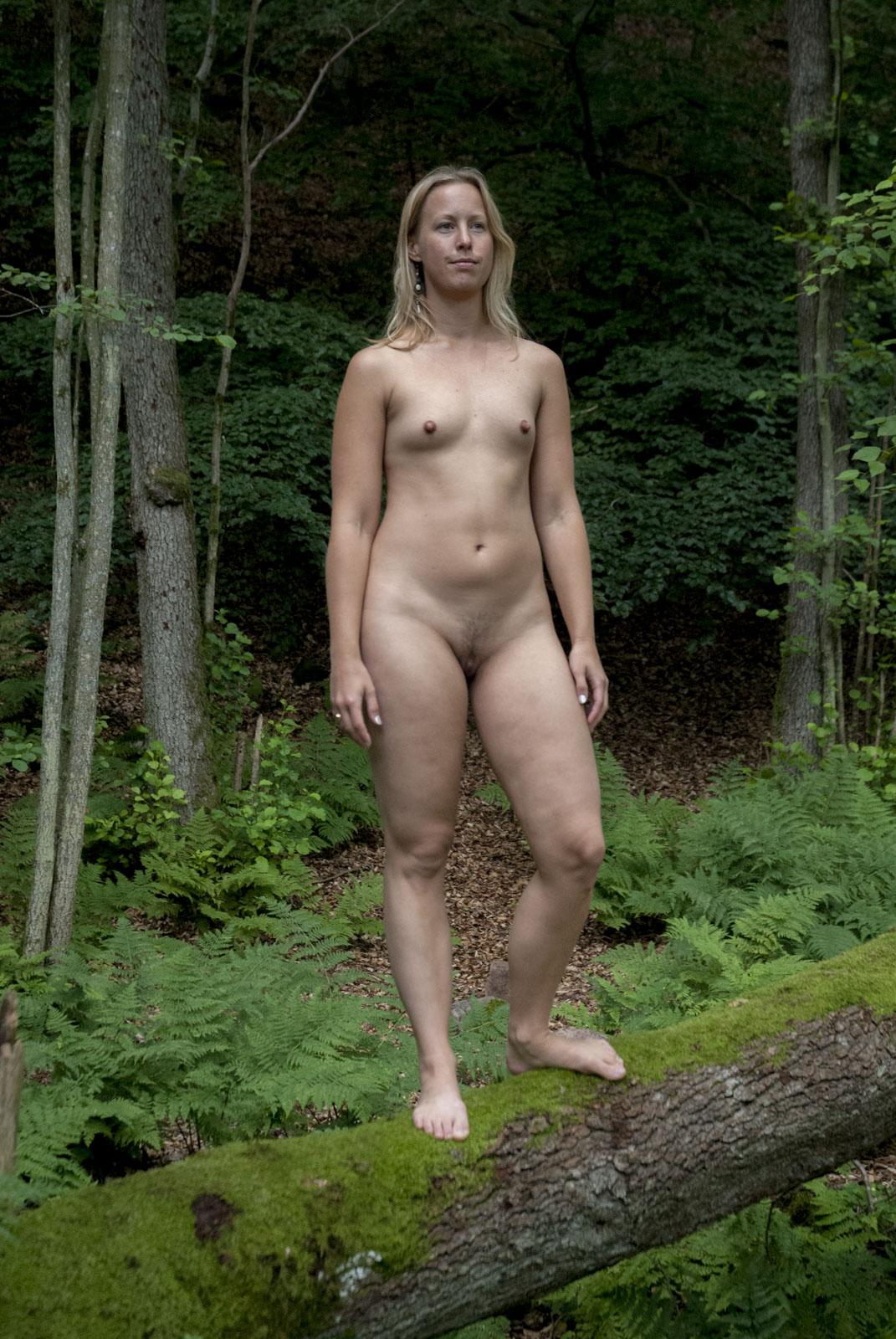 sociala media privata eskorter naken