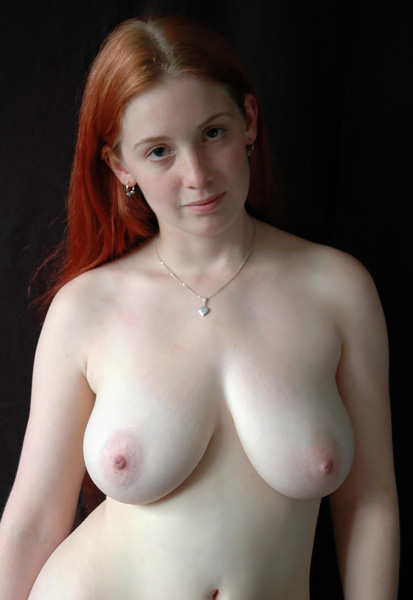 Cirkus Eros Image Gallery - Sweet Girl with Red Hair